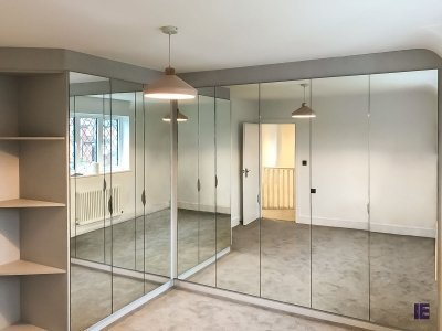 Hinged mirror wardrobes